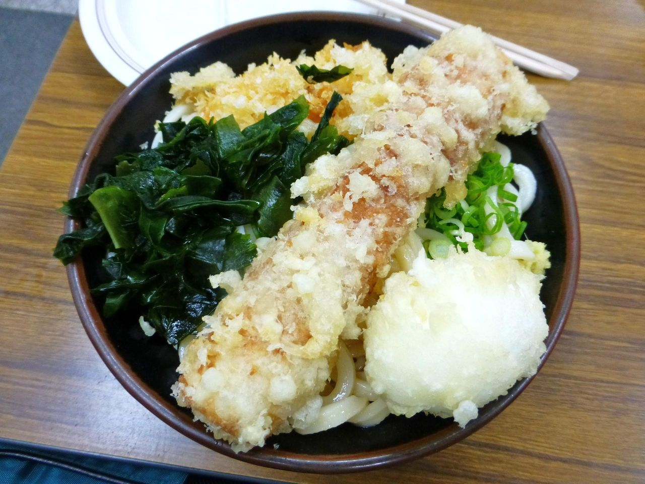 うどん3玉と天ぷらで440円!なんて恐ろしいコスパなんだ!
