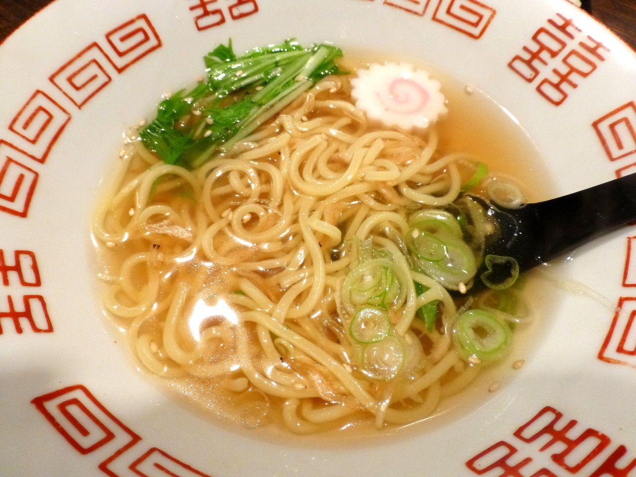 鯛ラーメンは、魚介ダシのアッサリ系スープ!