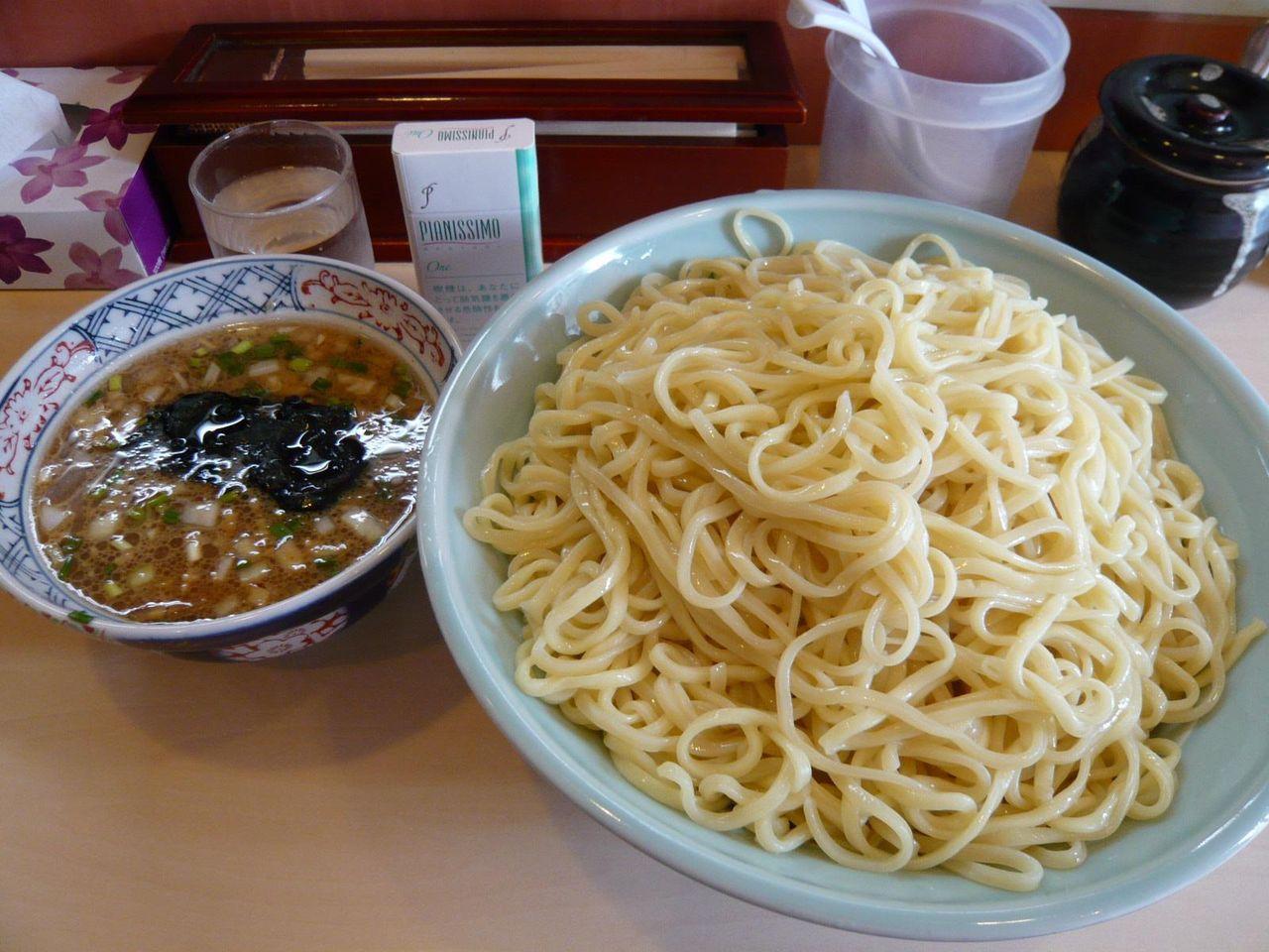 想定外のデカ盛り!・・・つけ麺(大盛800グラム)980円