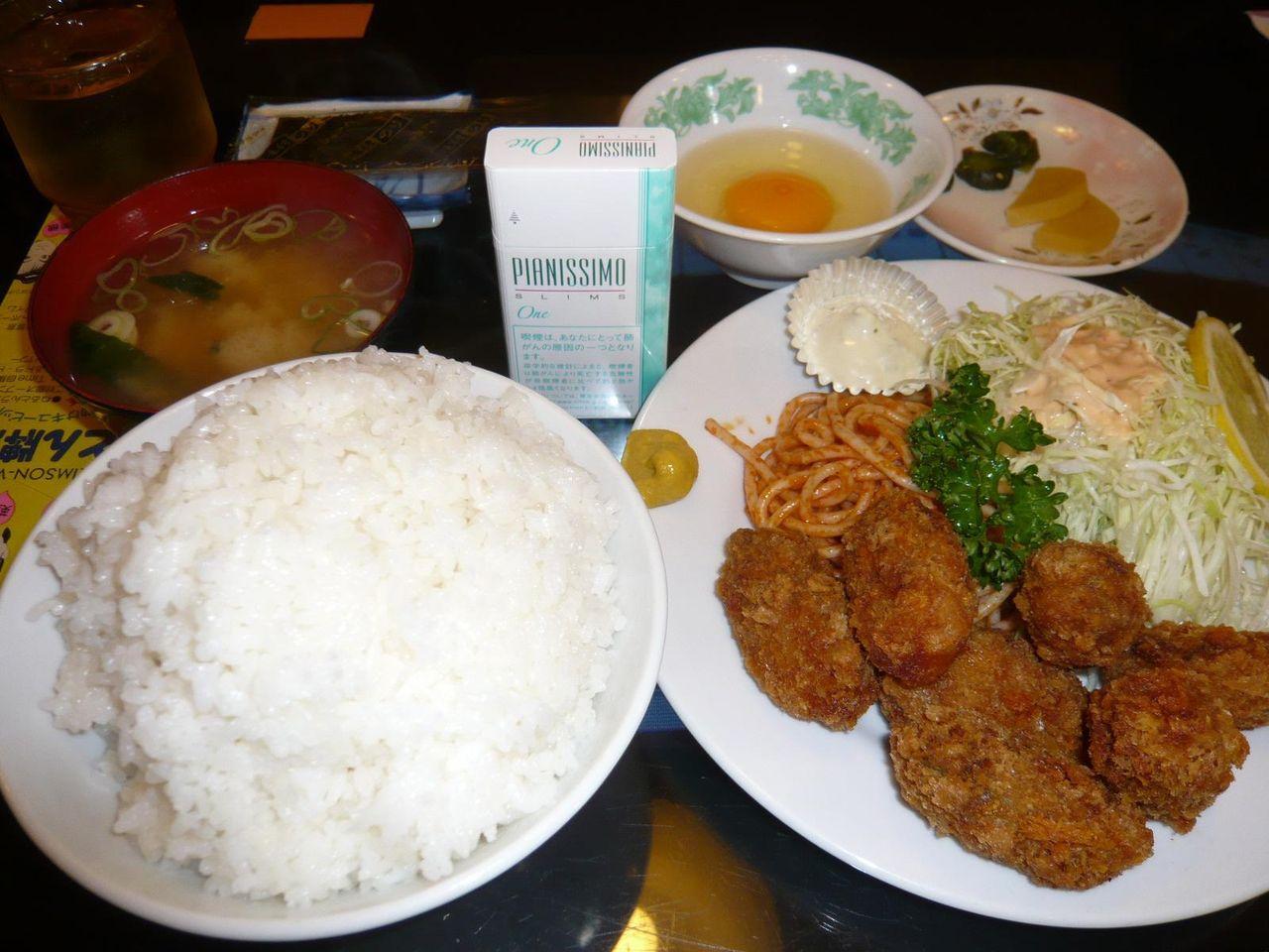 カキフライ定食850円+生卵50円