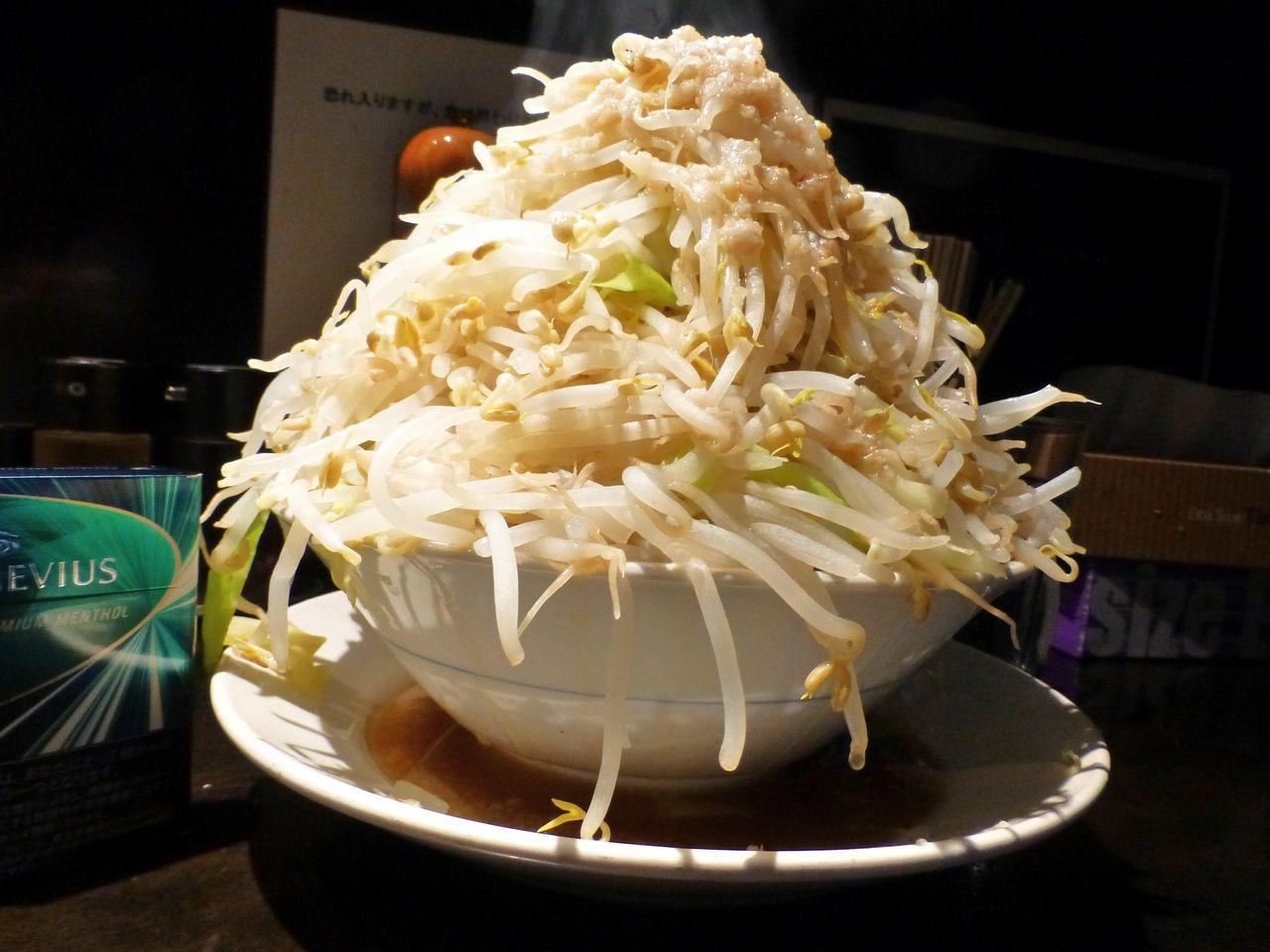 塩らーめん(野菜マシマシ、あぶら)680円
