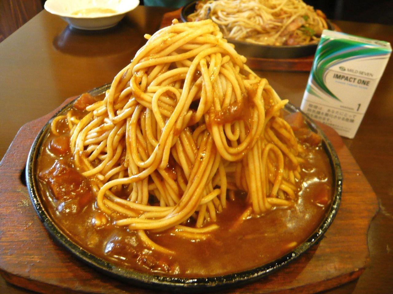 ハピネスのカレースパゲティ大盛780円