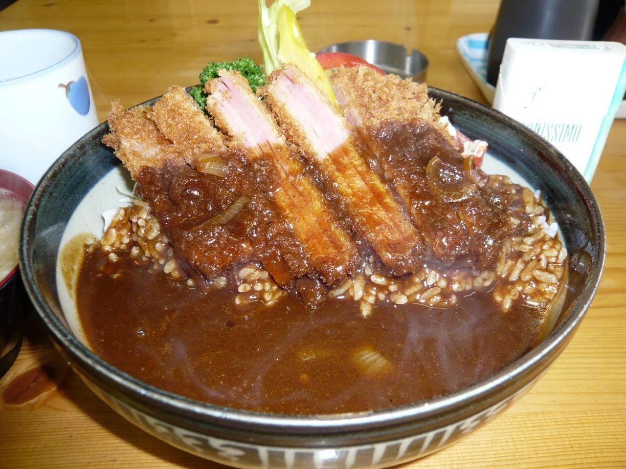 ハムカツとハヤシを組合せた「ウィンブル丼」大盛1,100円!