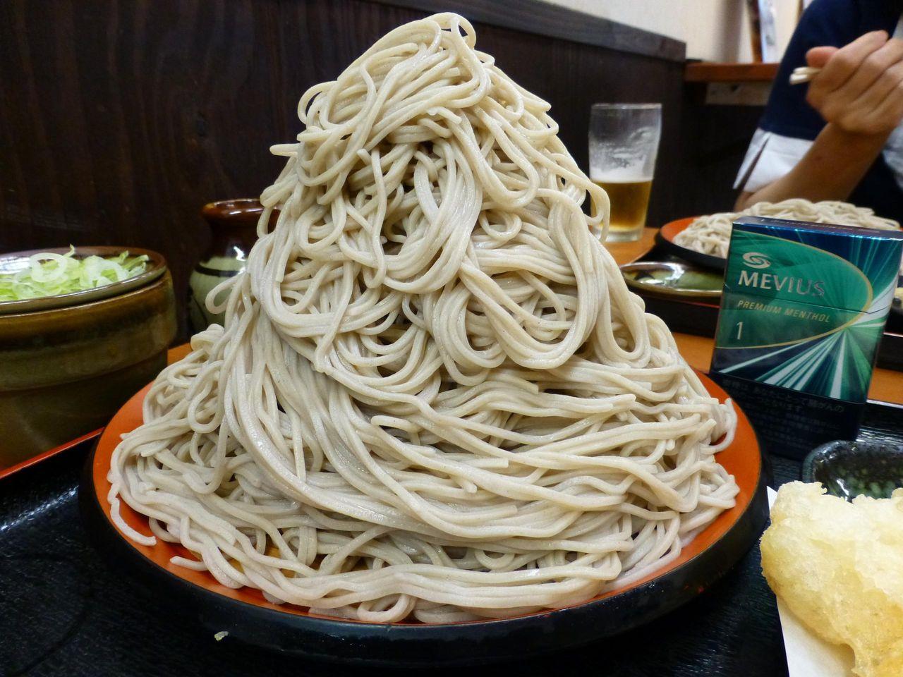 味奈登庵の名物、富士山盛り500円