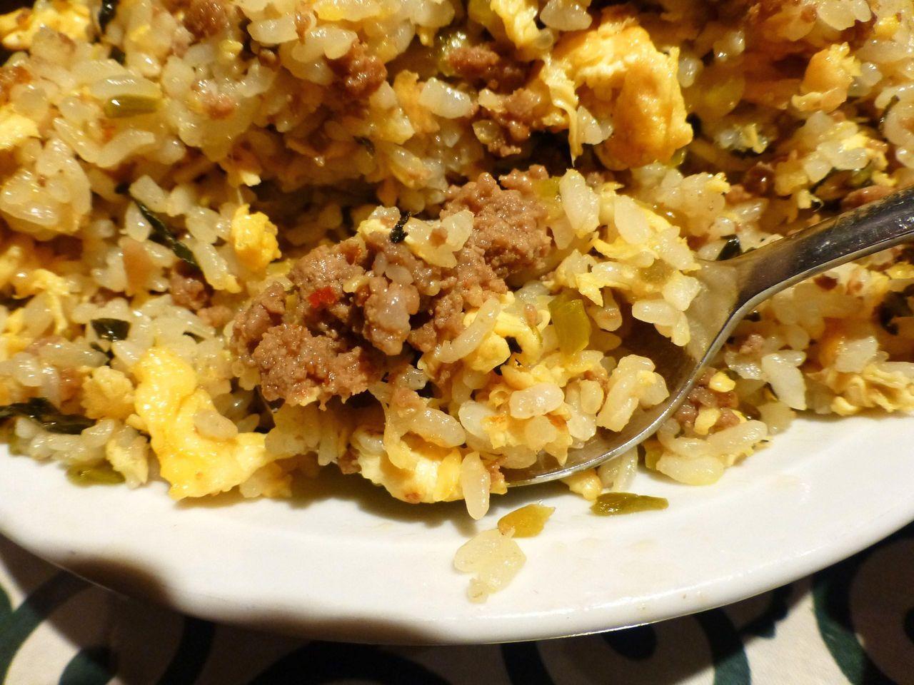 挽肉の旨みと高菜のピリ辛が絶妙なコラボレーション!