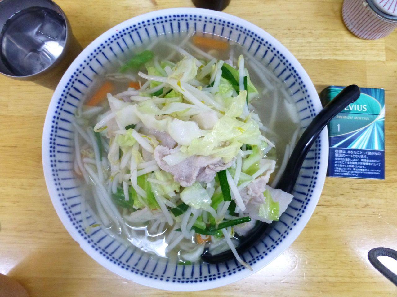 タンメン大盛は、直径21センチの大容量の丼を使用!