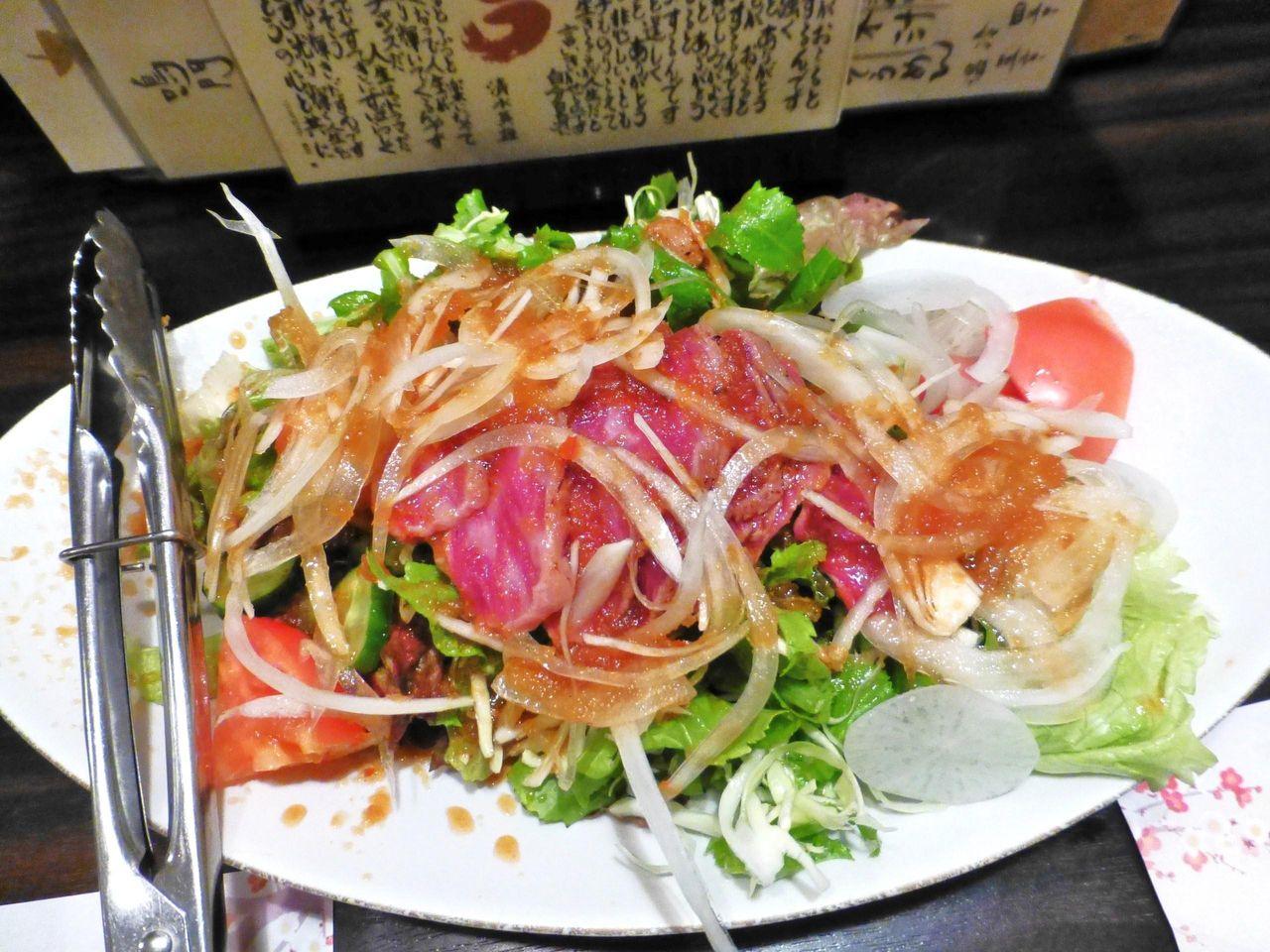 阿波牛のタタキサラダ780円