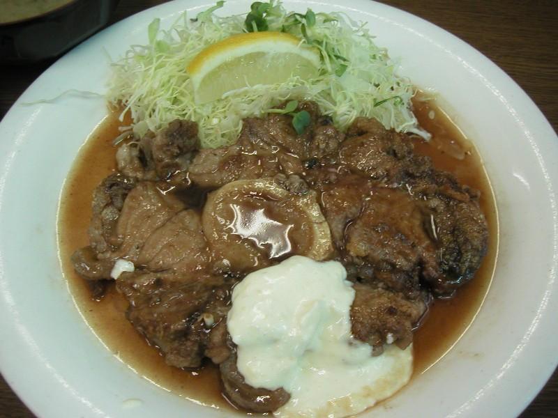 ジューシーなマグロの尾肉ステーキ860円
