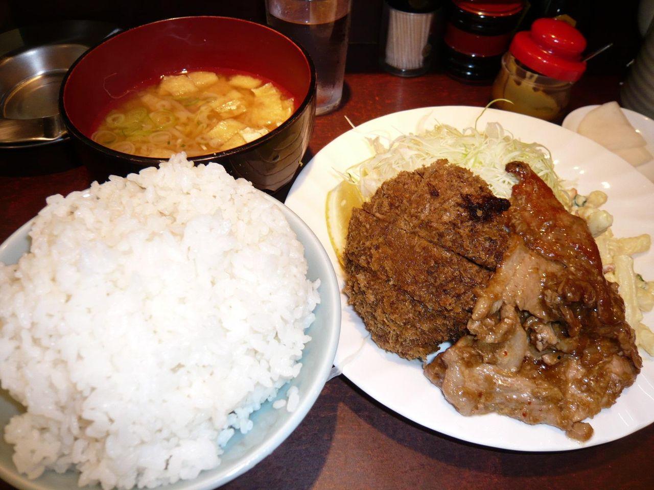 本日のランチ(メンチカツ、生姜焼き)830円