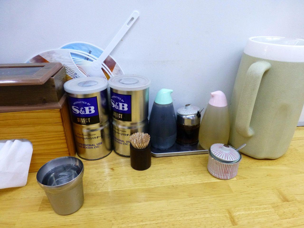 ショウガ、自家製ラー油、お酢などでカスタマイズできます!