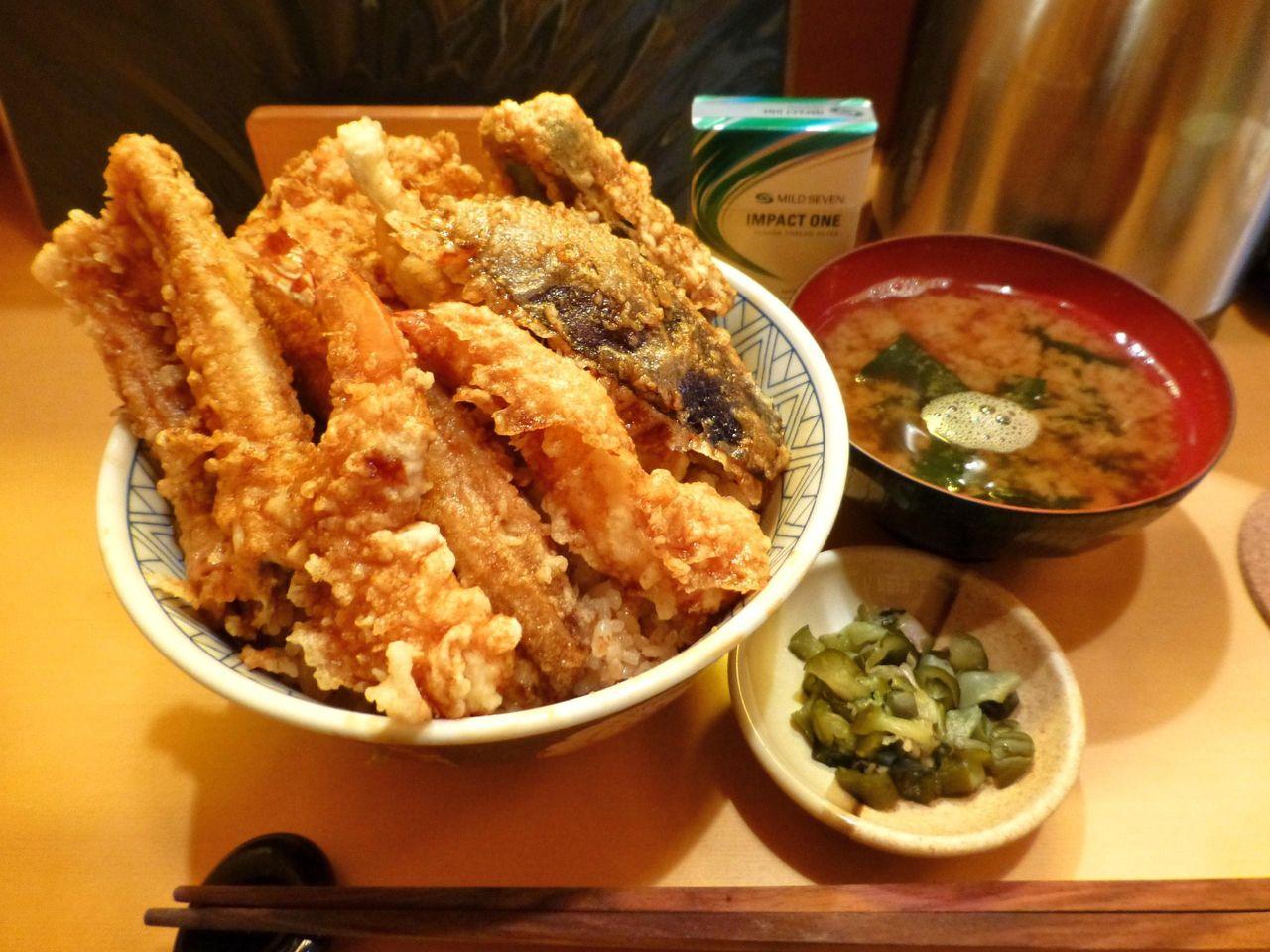 天ぷら専門店豊樹の特上天丼大盛1,550円