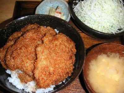 名物のソースカツ丼850円