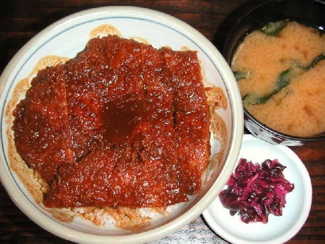 名古屋名物の味噌カツ丼1,155円