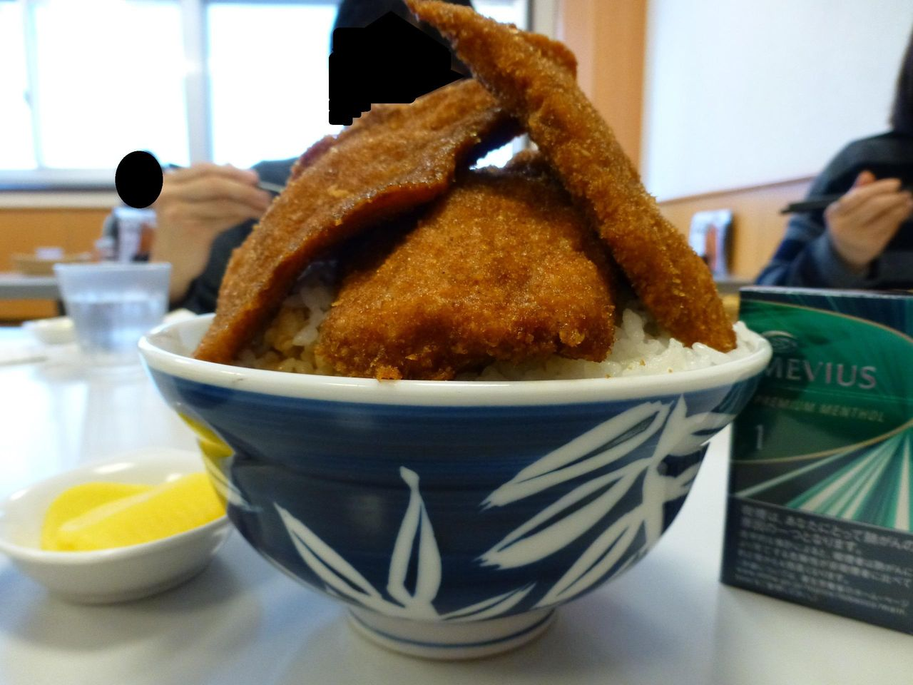 新潟の「とんかつ太郎」で、デカ盛り新潟タレかつ丼!