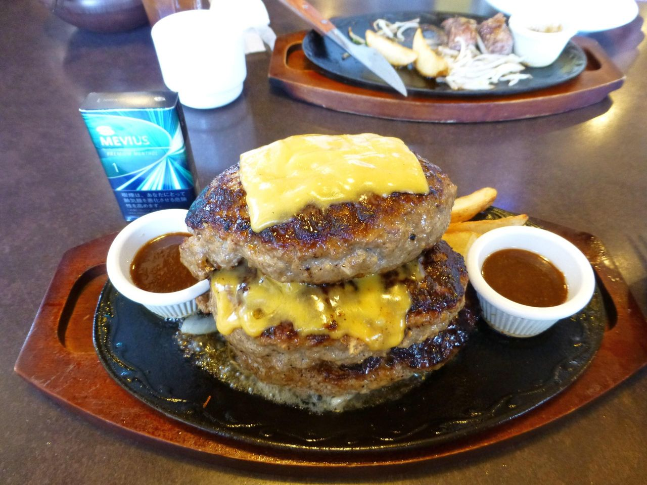 タワージャンボハンバーグ3枚Wチーズ2,530円