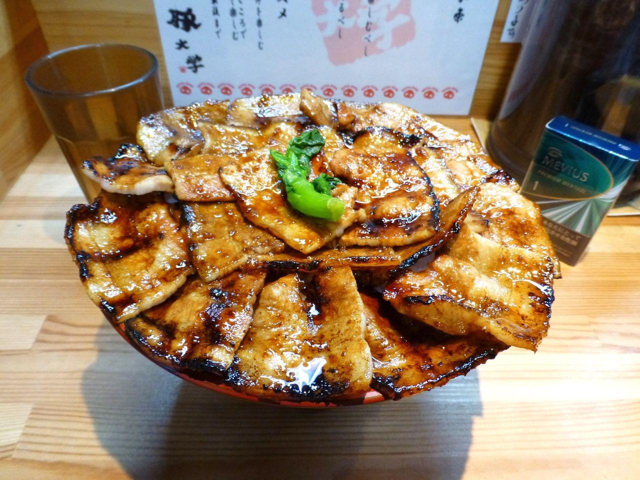 見るからに美味しそうな、豚丼大学院1キロ1,020円