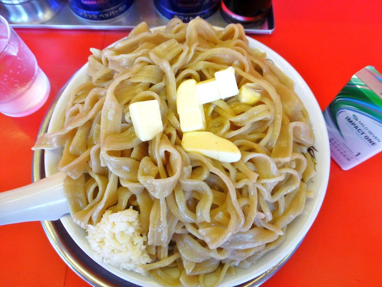 釜玉バター麺は、つゆが無いので、つけ麺の麺みたい!