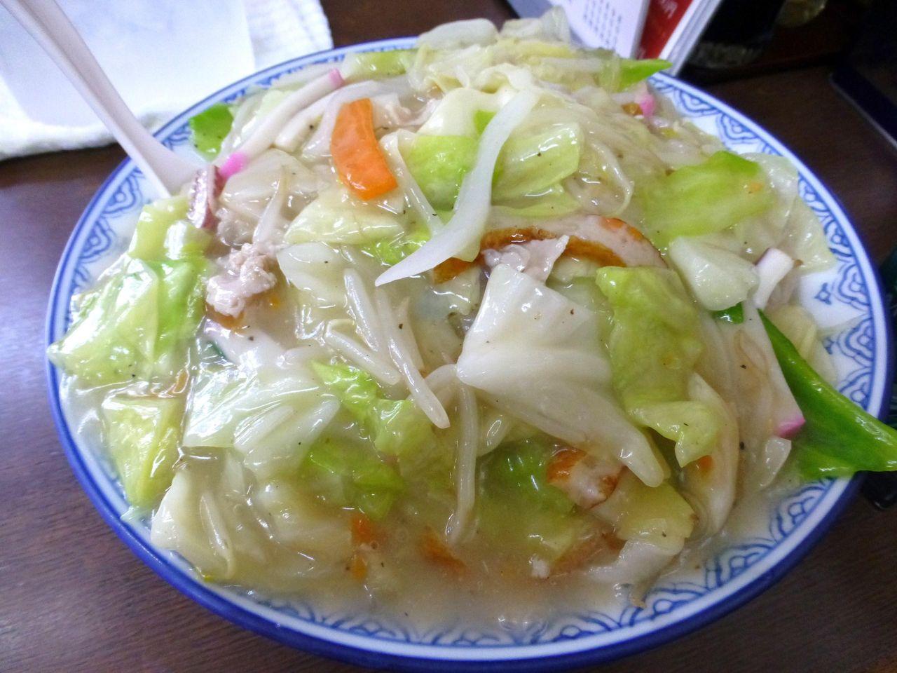 葛西の宝来軒で、デカ盛り太麺皿うどん!