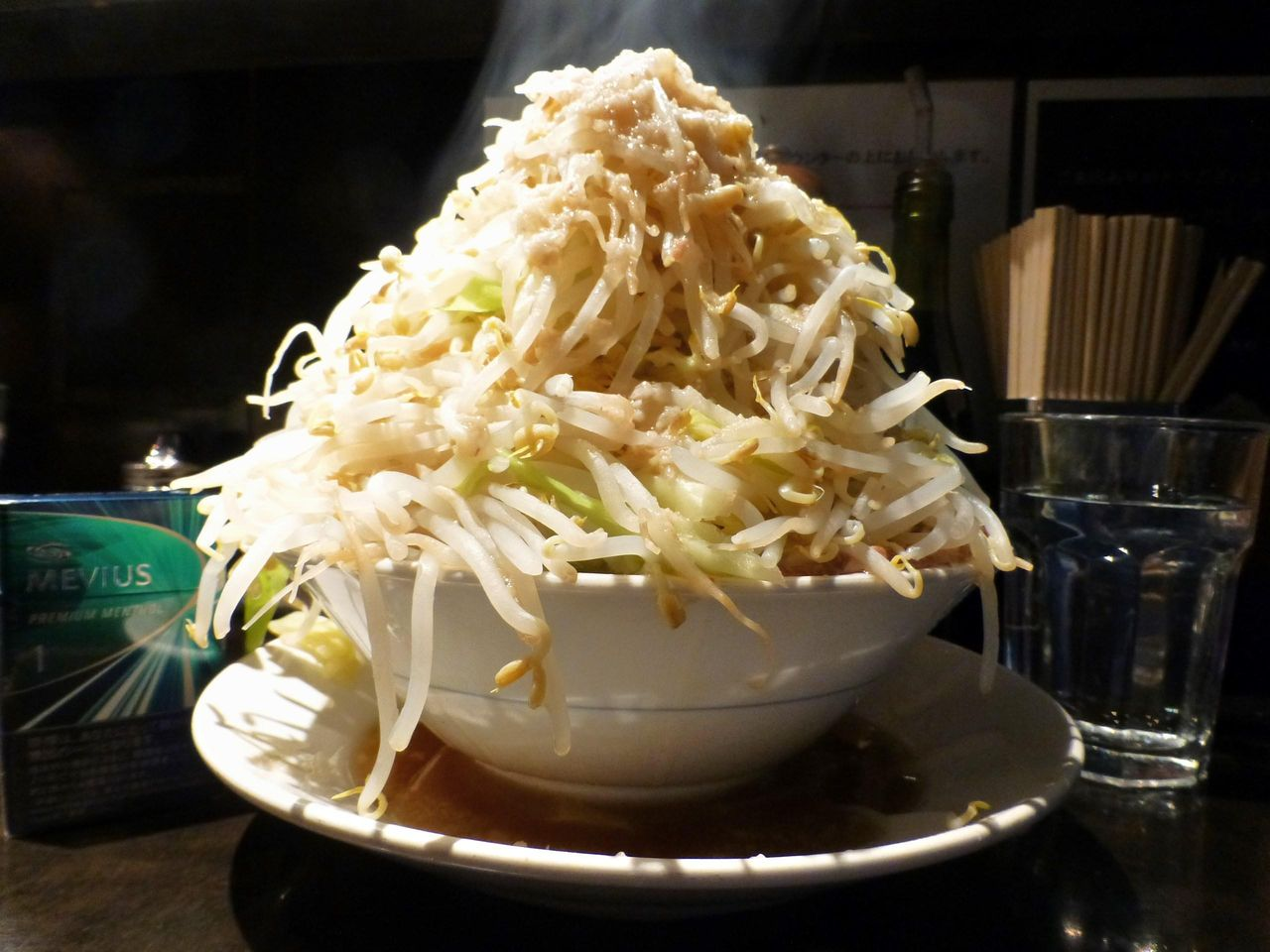 コスパ最強の塩らーめん(野菜マシマシ、あぶら)680円