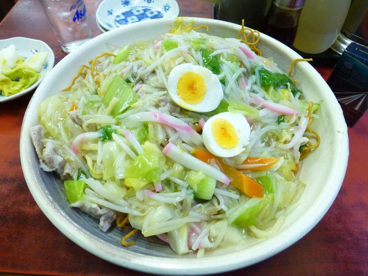 渋谷の「仙台や」で、デカ盛り五目カタヤキそば!