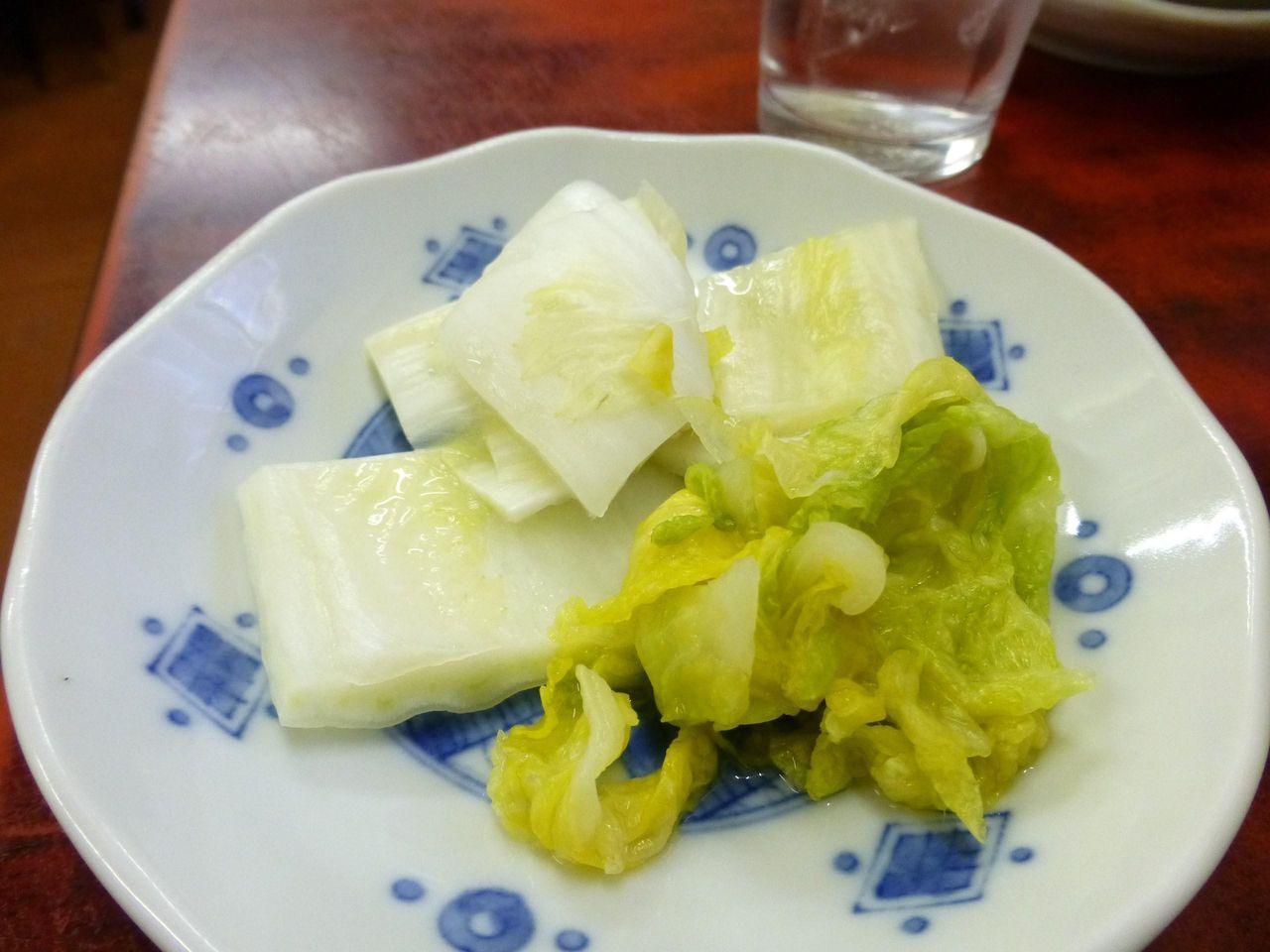 白菜漬け食べ放題は、うれしいサービスです!