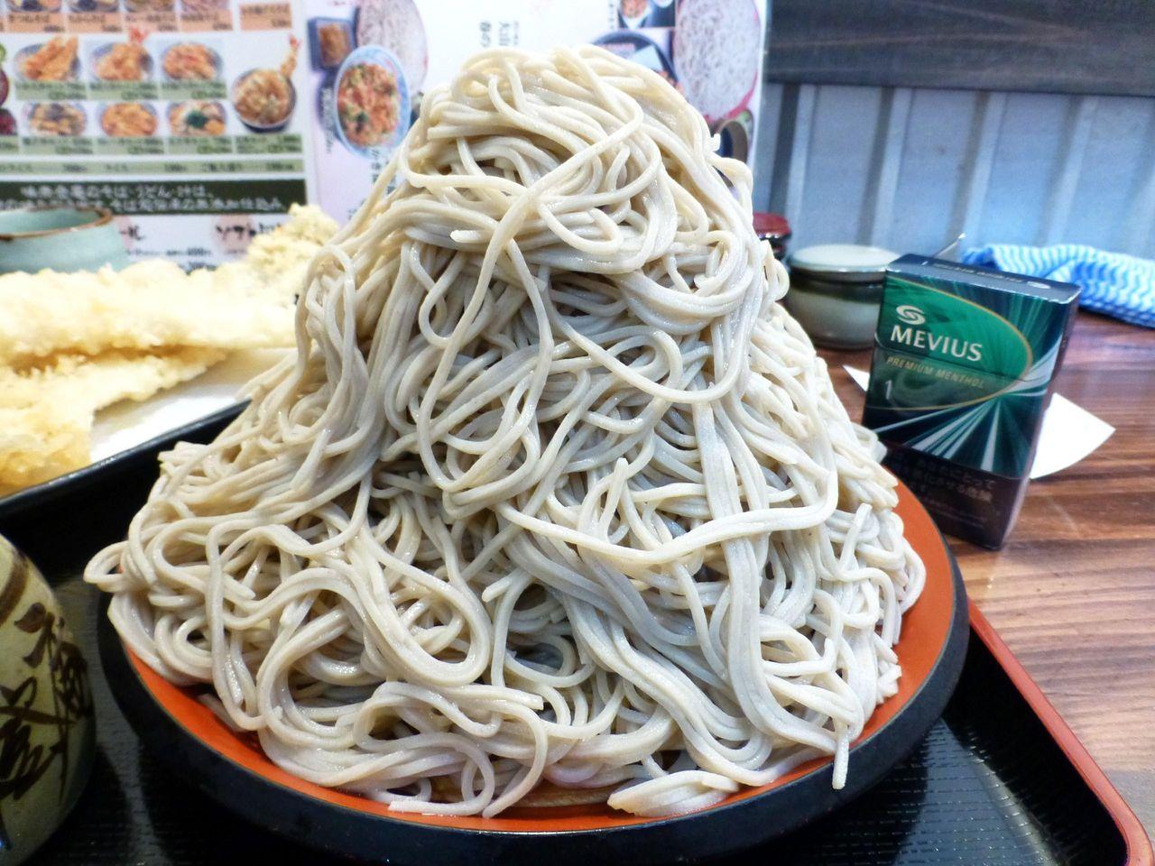 重さ1キロの富士山盛りが500円!コスパは最強です!