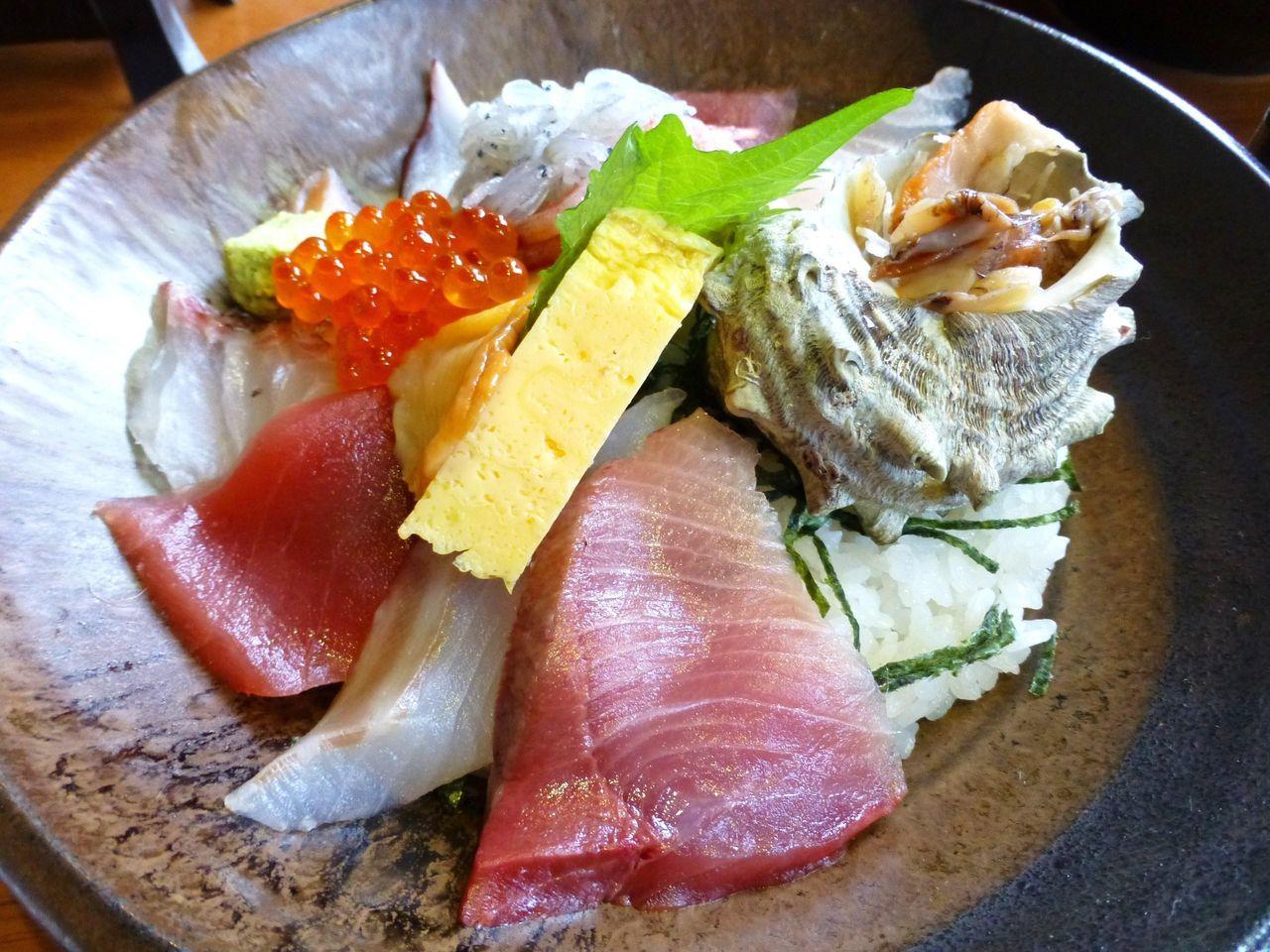 料理長おすすめ海鮮丼2,200円!