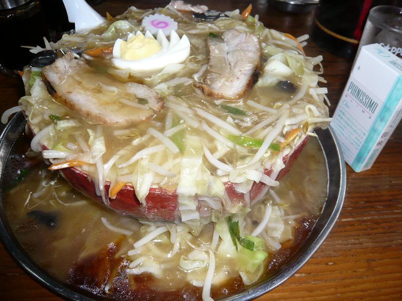 ぼんち食堂の名物「うま煮そば」650円