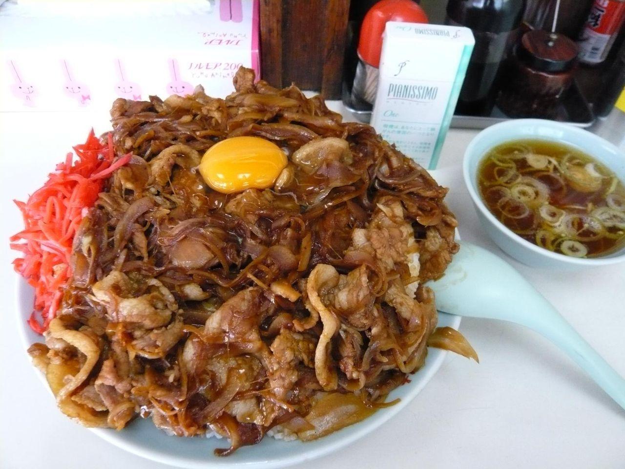 中華料理「暁」の焼肉丼大盛900円