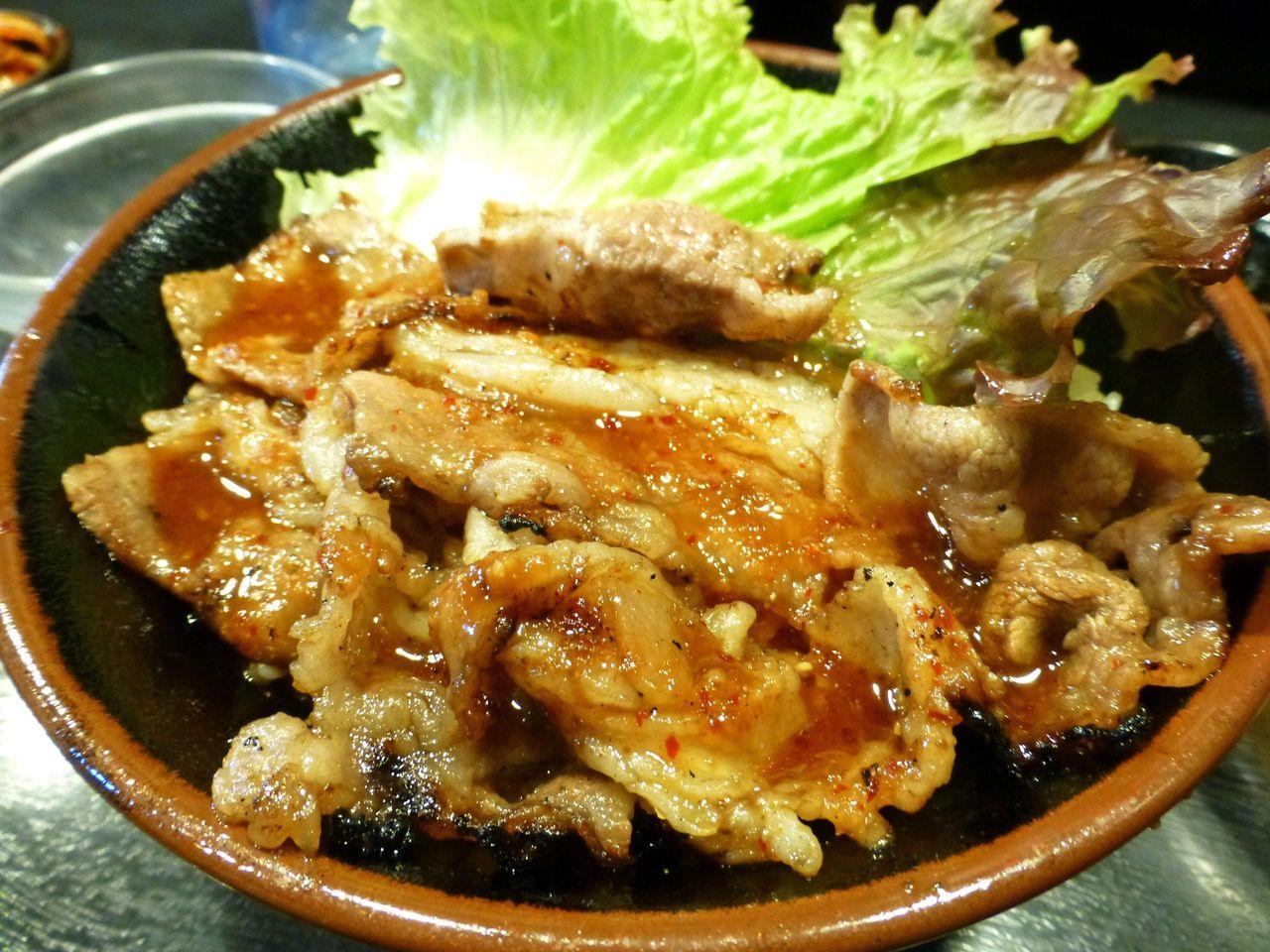 定番メニューのカルビ丼(大盛)750円