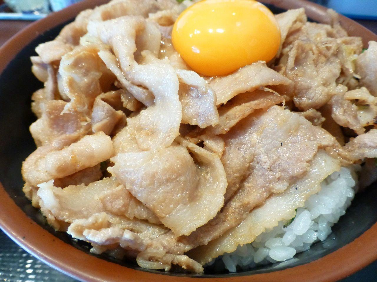 ニンニクダレで味付けした豚バラ肉!