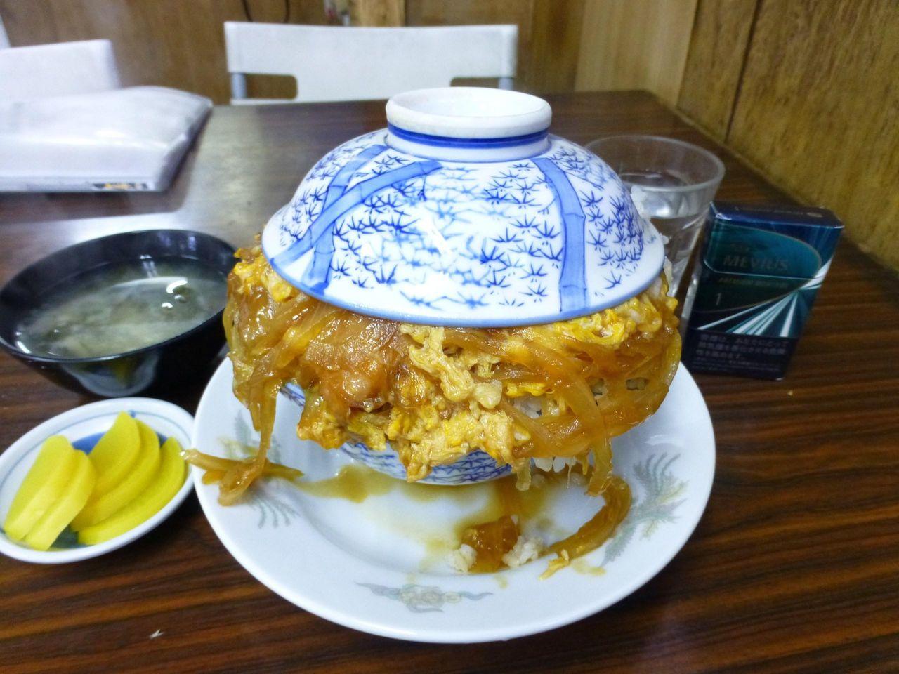 やよい食堂の親子丼大盛640円!