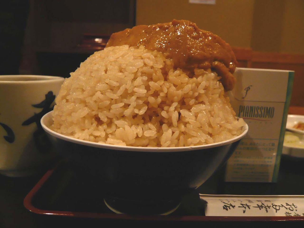 とうめし大盛は、日本昔話盛りのご飯に、豆腐が一丁!