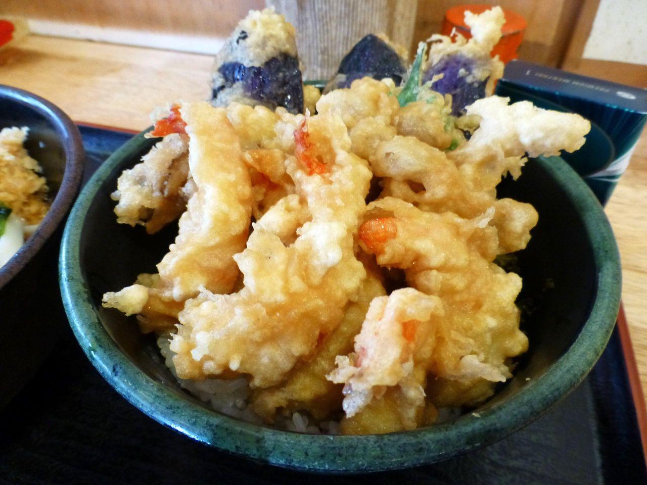 ミニ天丼ネタは、海老6、舞茸2、ナス3、しそ1!