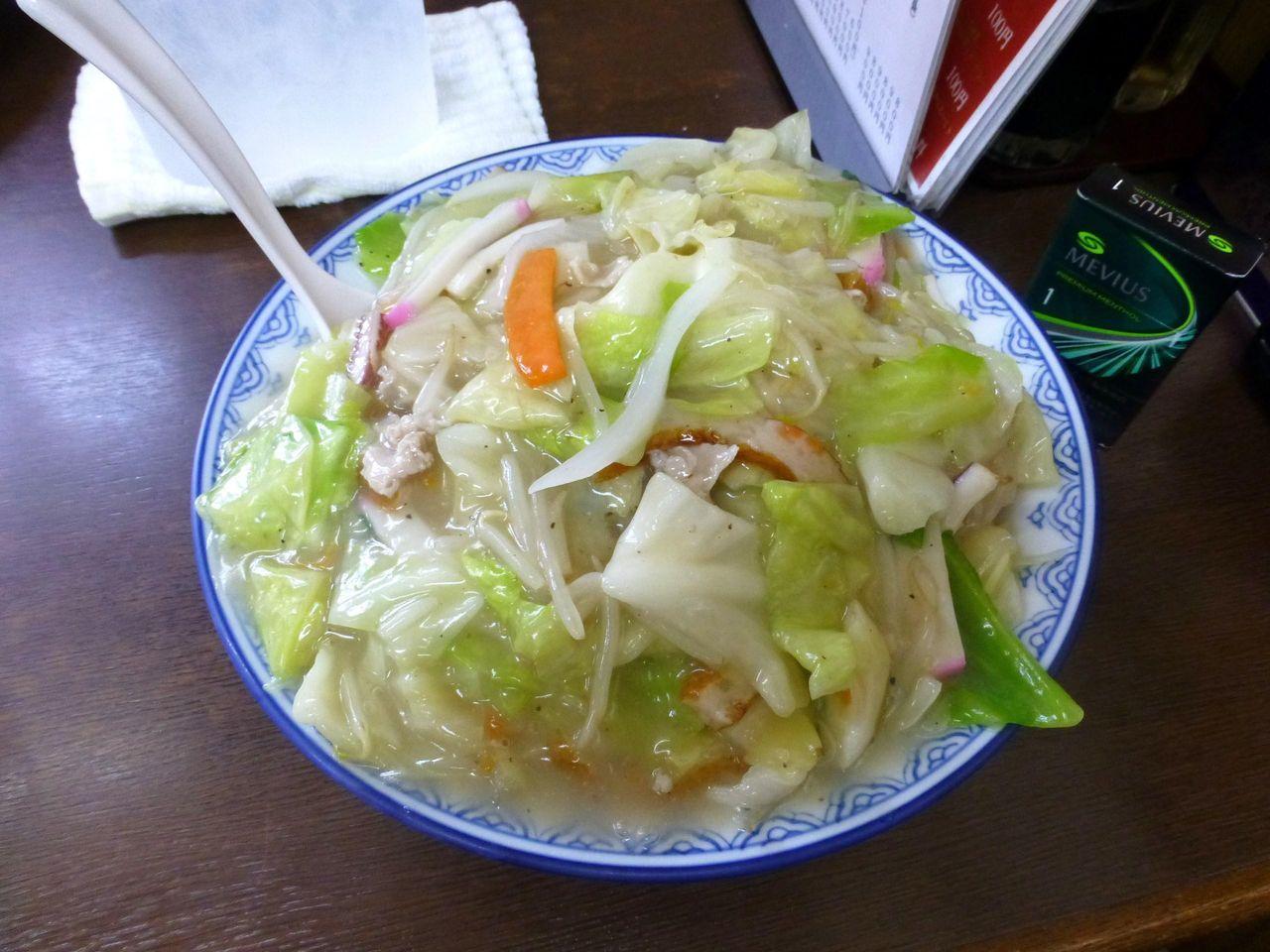 うわ〜デカッ!太麺皿うどん大盛900円