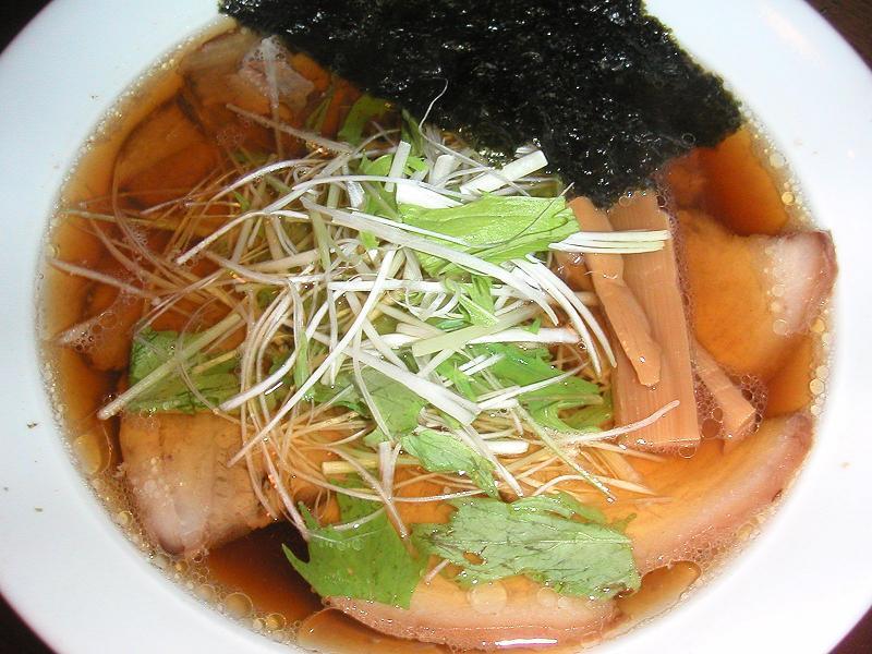 とろけるチャーシューが旨い!琉香豚麺1,000円