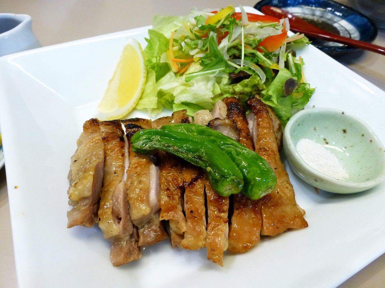 美味しいがコスパはイマイチ!比内地鶏モモ一枚焼き1,980円