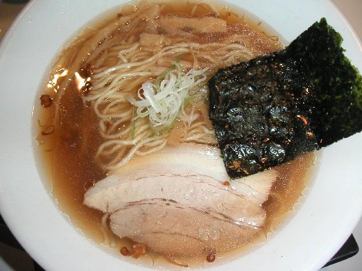 ハマグリを使用したスープ!醤油そば700円