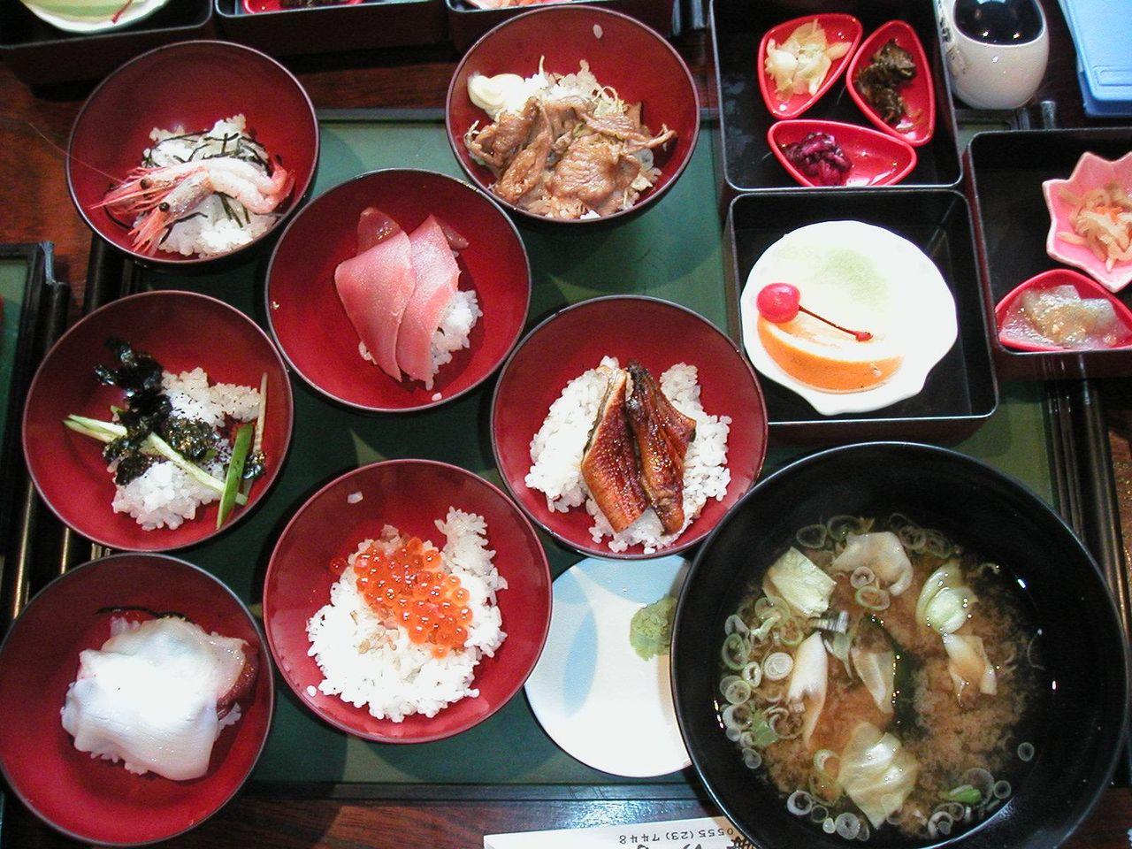 7種類の味を楽しめる、海物語980円