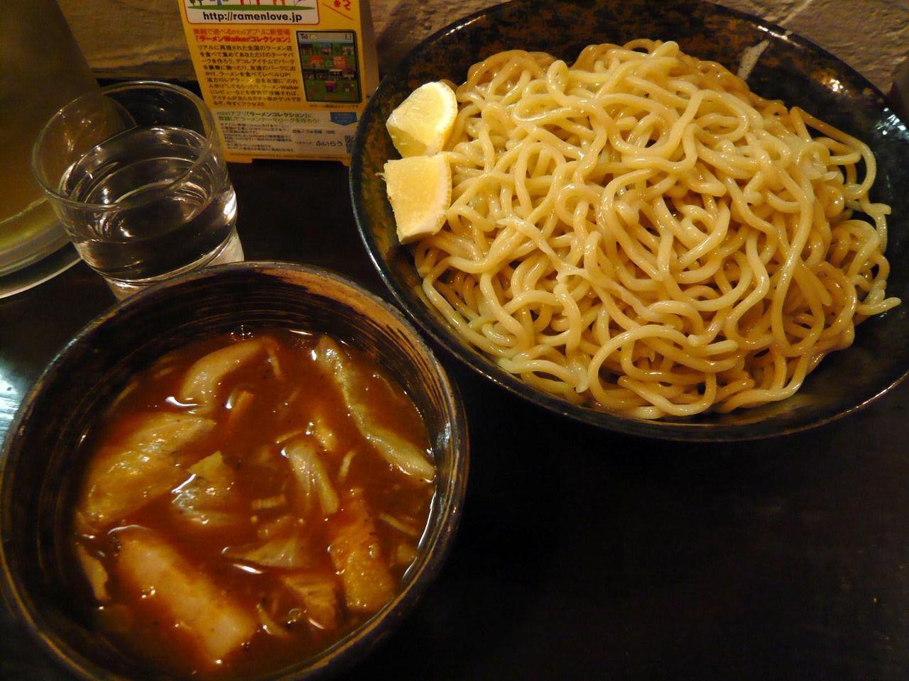 つけ麺(特盛500グラム)900円