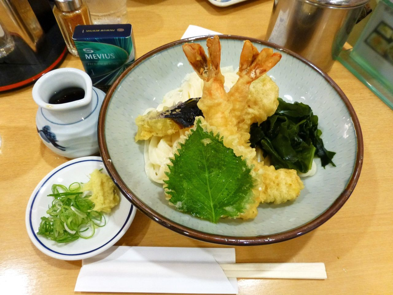 きしめんの吉田の「えびおろし」1,100円