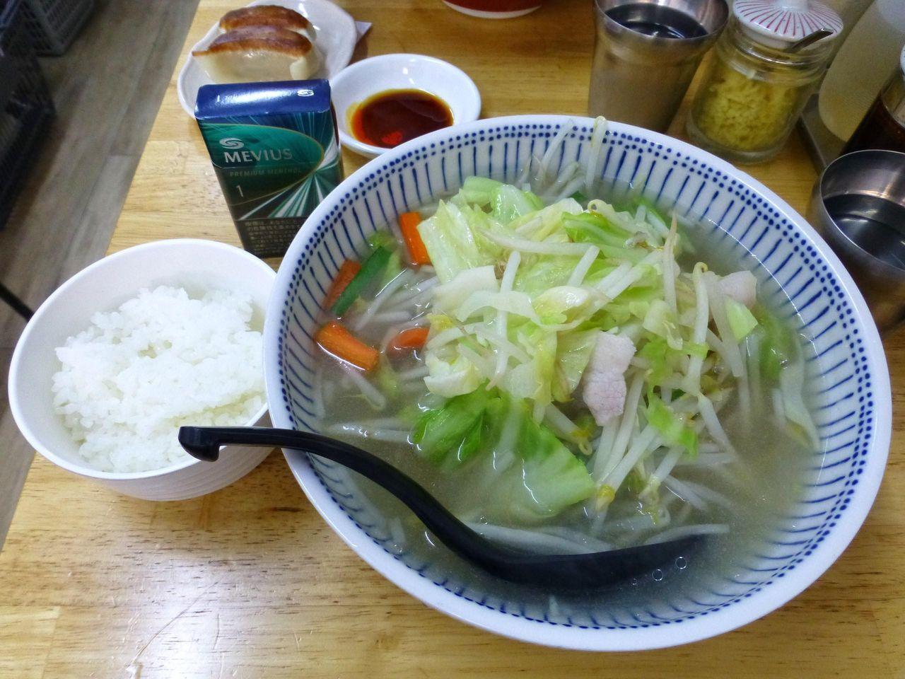 タンメン700円(野菜大盛、ライス無料)