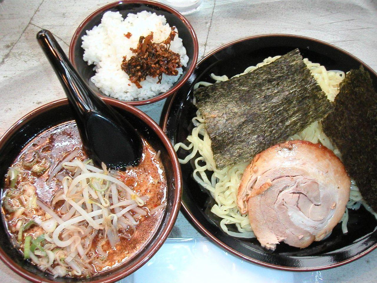 シロつけ麺800円+半ライス(ランチサービス)