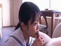 童顔美少女学生が援交フェラ