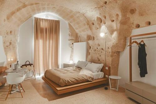 イタリアの洞窟がそのまま住宅街の画像(15枚目)