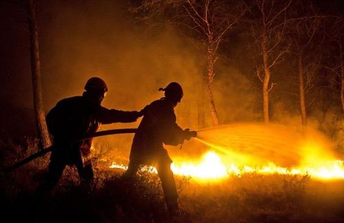 フランスのマルセイユの山火事の画像(3枚目)