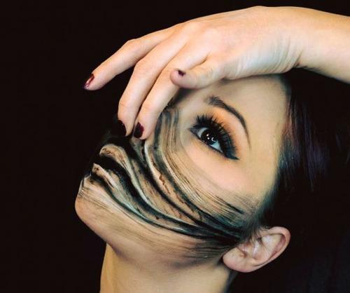 女性のメイクが怖すぎる!化粧のみで怖すぎる女性のメイクの画像の数々!!の画像(21枚目)