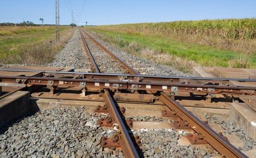電車と電車の交差点の画像(2枚目)