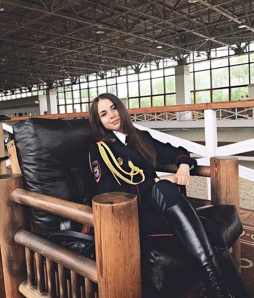 ロシアの婦警さんの画像(4枚目)