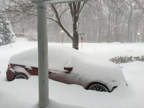 【画像】大雪のニューヨークで日常生活が大変な事になっている様子!の画像(4枚目)